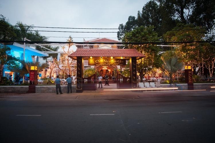 vietnam photos - com nieu sai gon