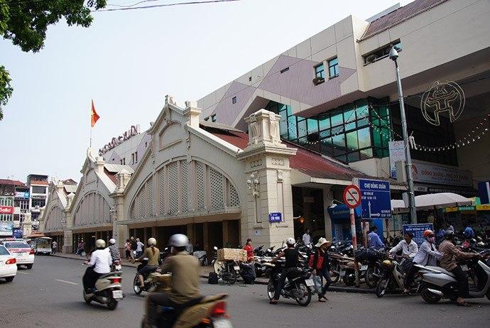 Early Morning Markets Hanoi
