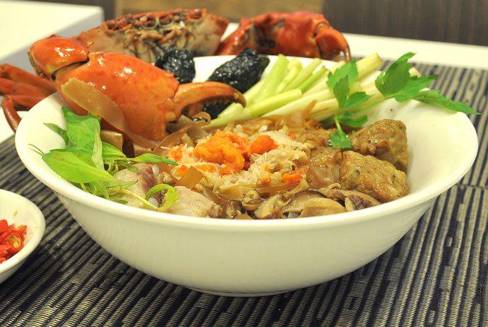 banh da cua – crab red noodle soup hp