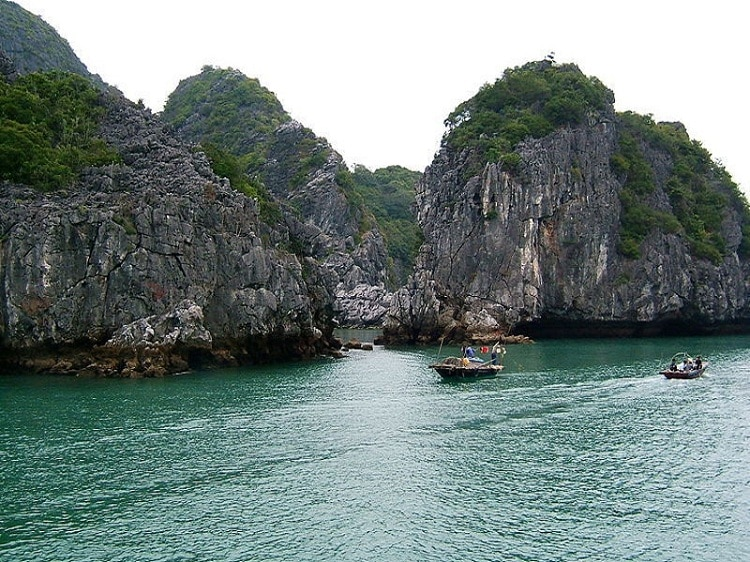 things to do in halong bay - chill out on beautiful beaches of lan ha island