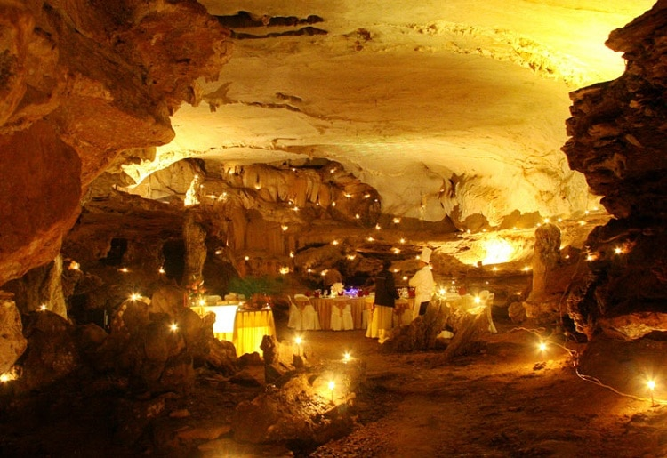 things to do in halong bay - dining in the cave