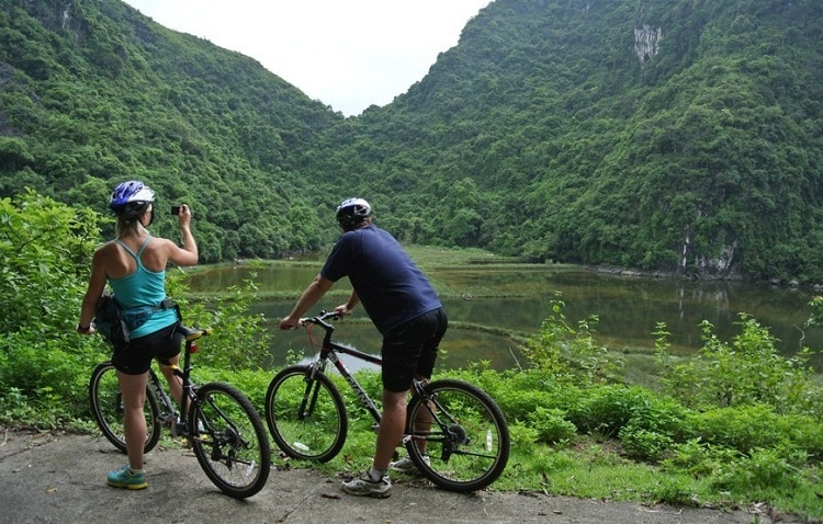 things to do in halong bay - hike on ban sen island