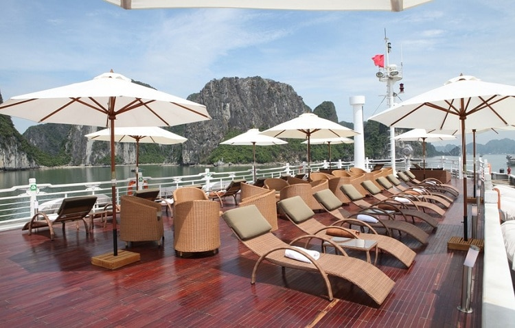 things to do in halong bay -
