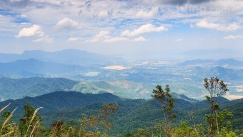 Nice-mountainous-landscape-viewed-from-Ba-Na-Hills