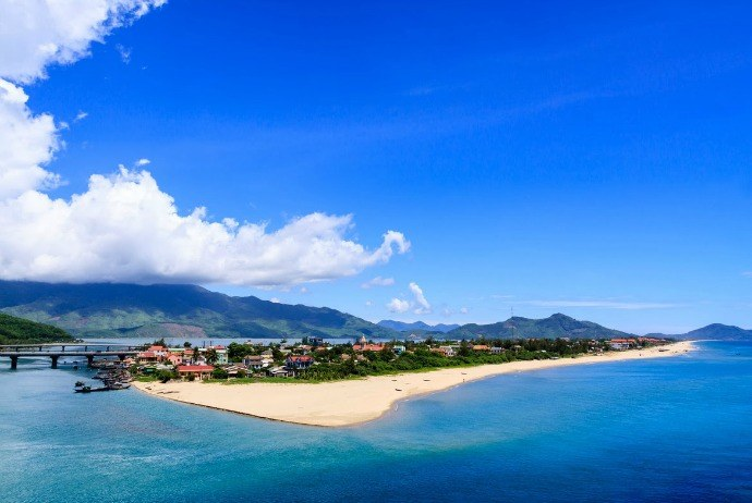 Relax On Beautiful Beaches Of Da Nang