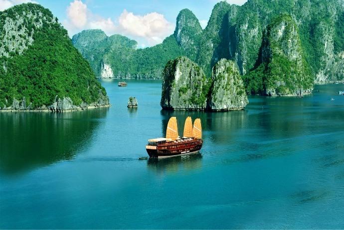 Vietnam tours1