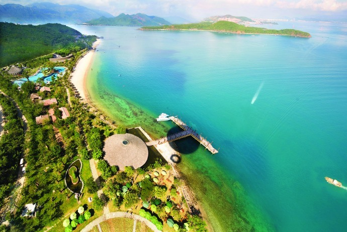 4 islands nearby Nha Trang that have clear water