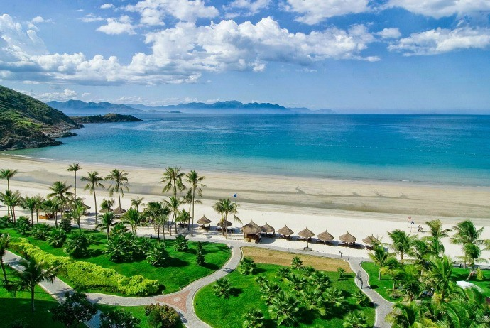 "why everyone calls Danang a 'worth-living"" city"