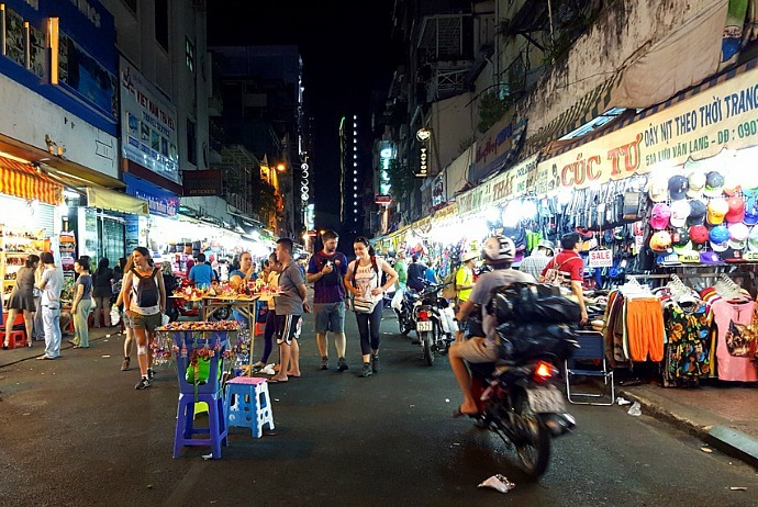 markets-in-saigon