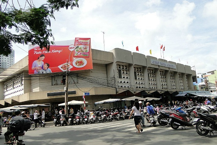 markets-in-saigon