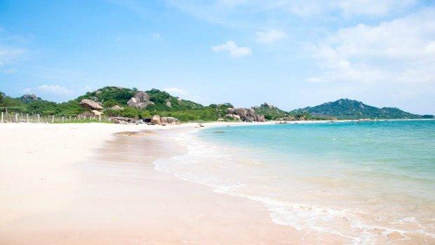 exotic-hong-van-beach