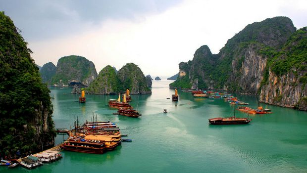 Halong-Bay-attractions