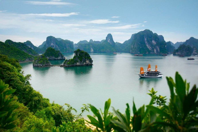 Shopping In Ha Long Bay, Vietnam – 5 Shopping Places For Tourists