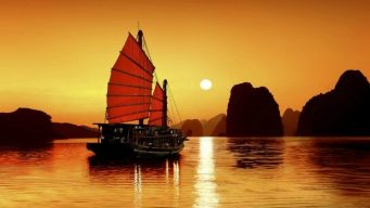 Halong nightlife