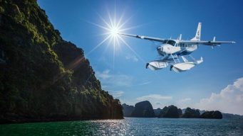 discover-halong-Bay-from-above-on-seaplanes