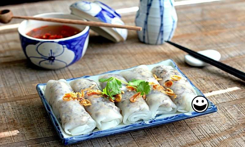 Vietnamese steamed rice rolls