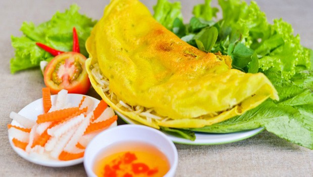 Vietnamese Crepe Recipe (Bánh Xèo)