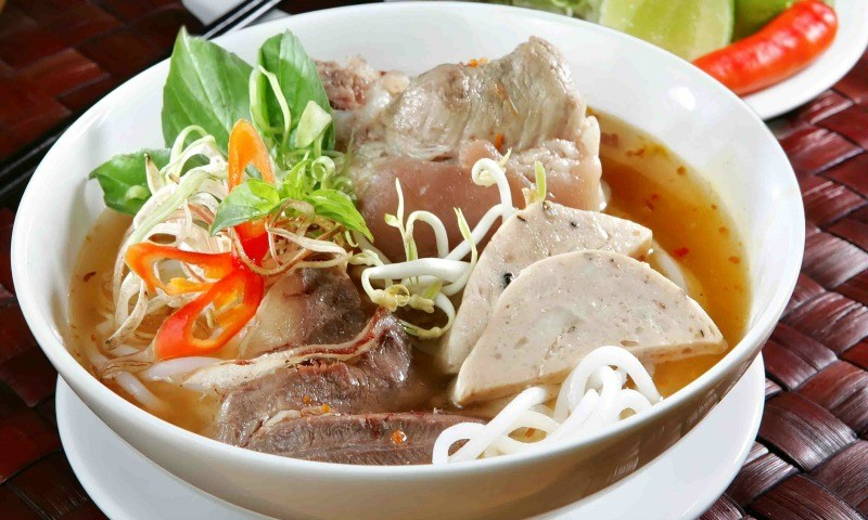 Hue beef vermicelli soup