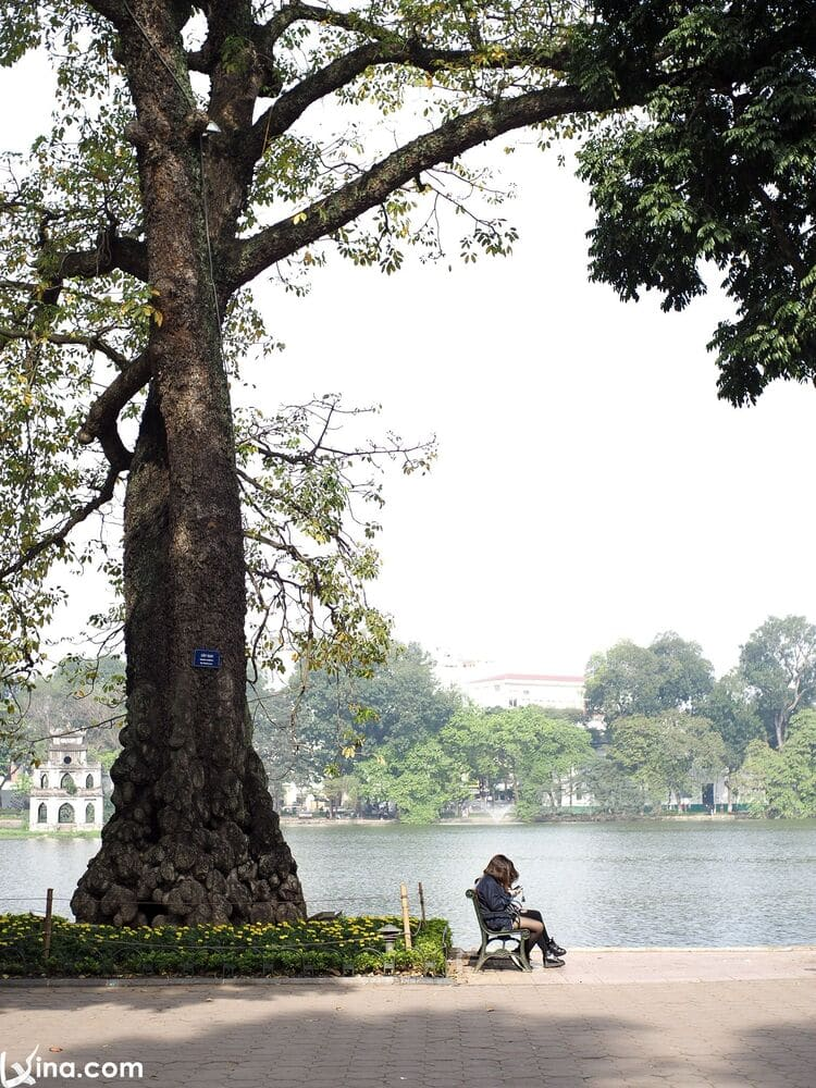 vietnam photos - sword lake