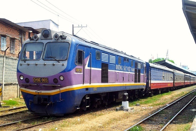 how to get to thien cam beach - railway train