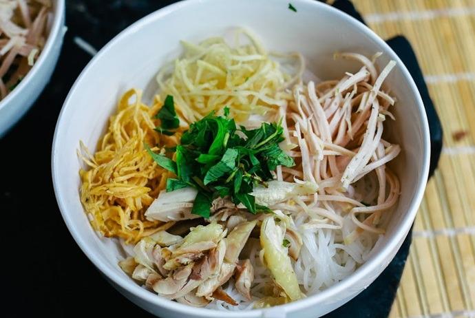 vietnamese combo vermicelli soup - bun thang 110b7 to hieu nghia tan