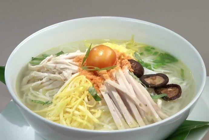 vietnamese combo vermicelli soup - bun thang hang hanh