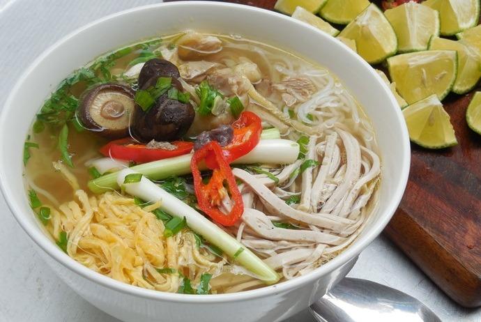 vietnamese combo vermicelli soup - bun thang ngoc tuyen