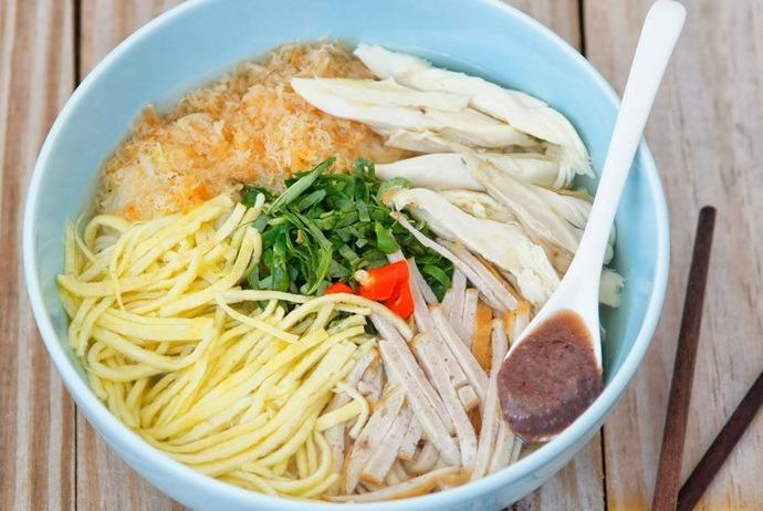 vietnamese combo vermicelli soup - bun thang thanh van