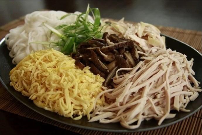 vietnamese combo vermicelli soup - mytour