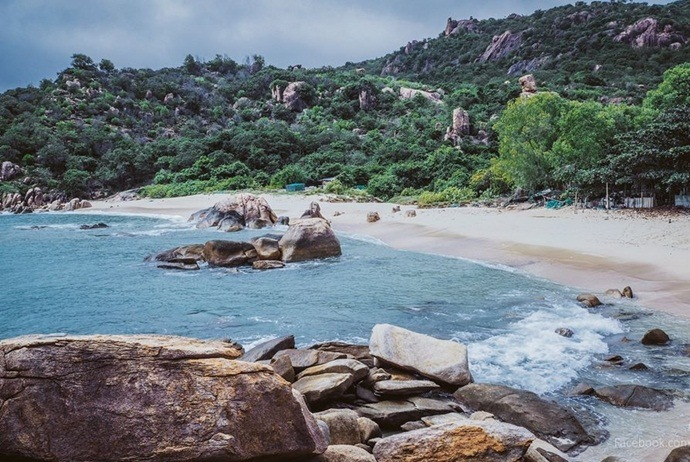 what are attractions in binh lap island - bai ngang beach