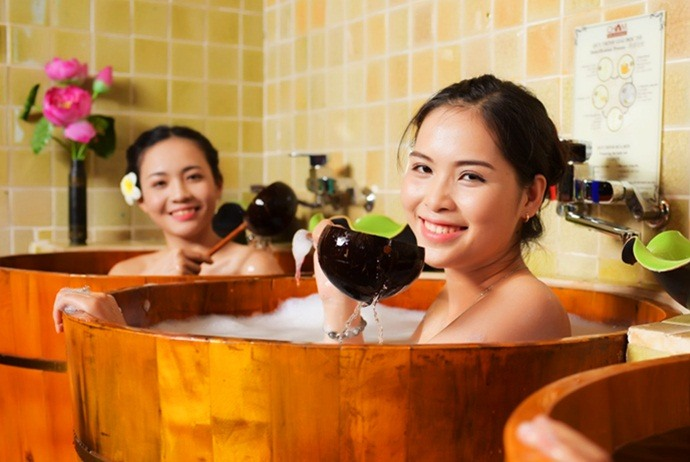 what are attractions in sin ho - herbal bathing