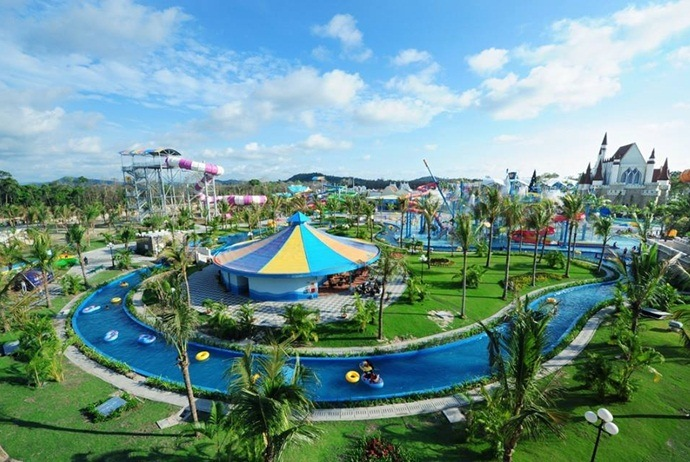 what to do in vinpearl land in nha trang - freshwater park