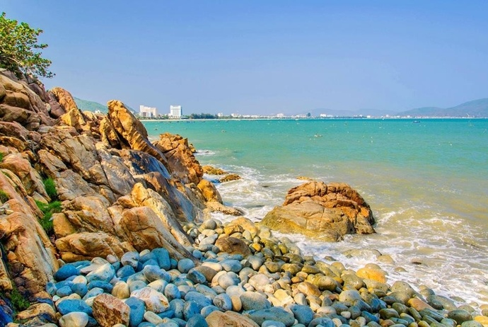 activites and attractions about binh hung tourism - egg stone reef