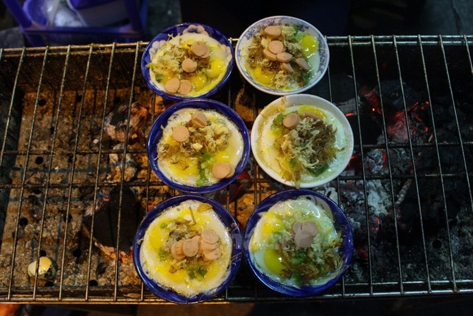 grilled quail eggs at back khoa campus - baomoi