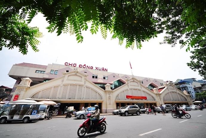 ha noi old quarter - dong xuan market
