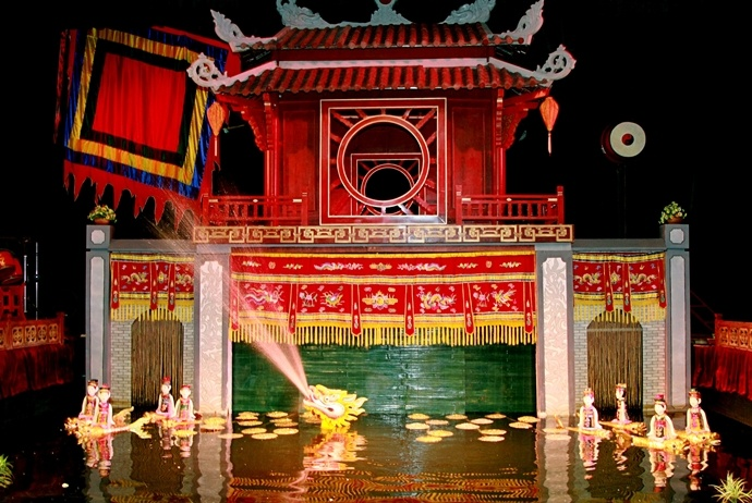 ha noi old quarter - thang long water puppet theater