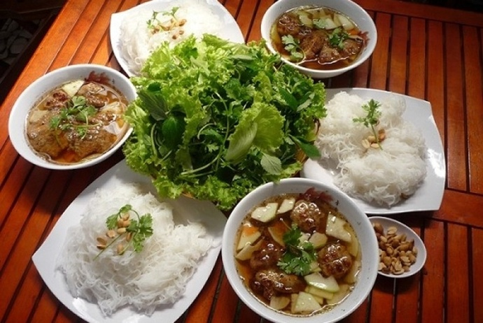 bun cha hanoi on hang than street - toplist