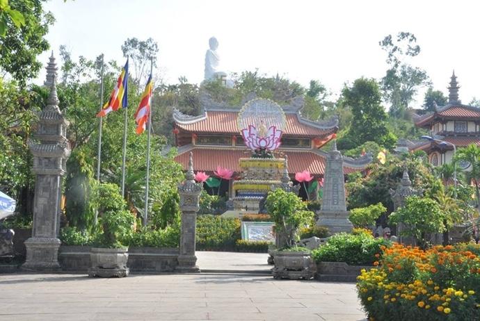 long son pagoda nha trang - thegioiuudai