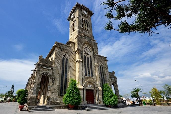 nha trang cathedral vietnam - dulichdaibang