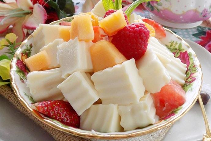 Vietnamese Clammy Yogurt – Sua Chua Deo – Try A Special Dessert!