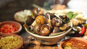 vietnamese street style snails in hanoi - - zing