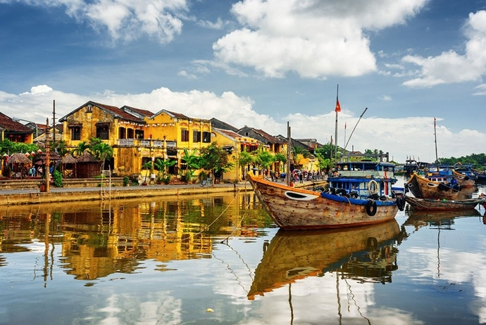 traveling to hoi an ancient town - - thegioitre