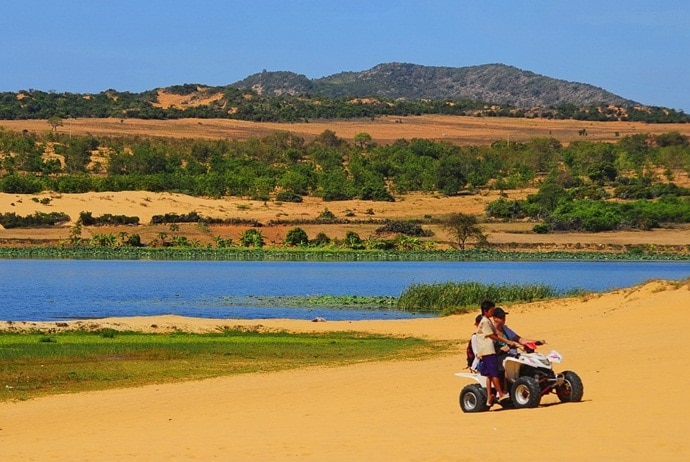 mui ne sand dunes - ride all-terrain vehicle