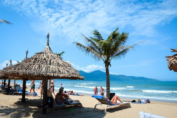 what are attractions in my khe beach - beaches in pham van dong central park