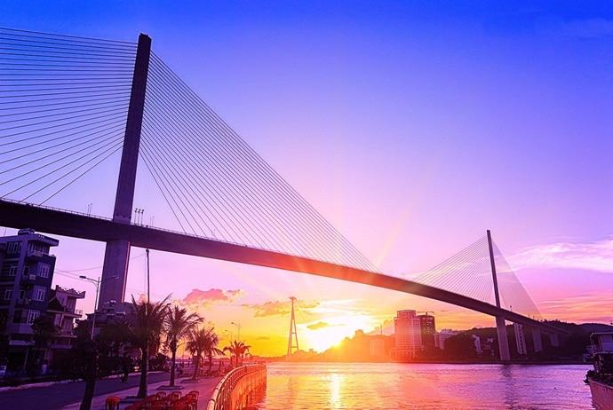 bai chay beach - bai chay bridge