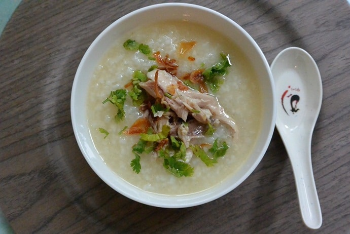 vietnamese chicken porridge - chao ga on tho nhuom street
