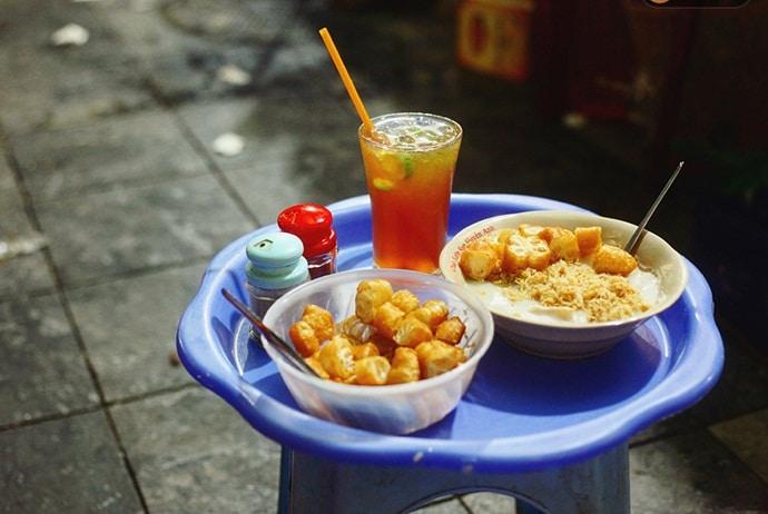 pork rib porridge - chao suon in dong xuan market