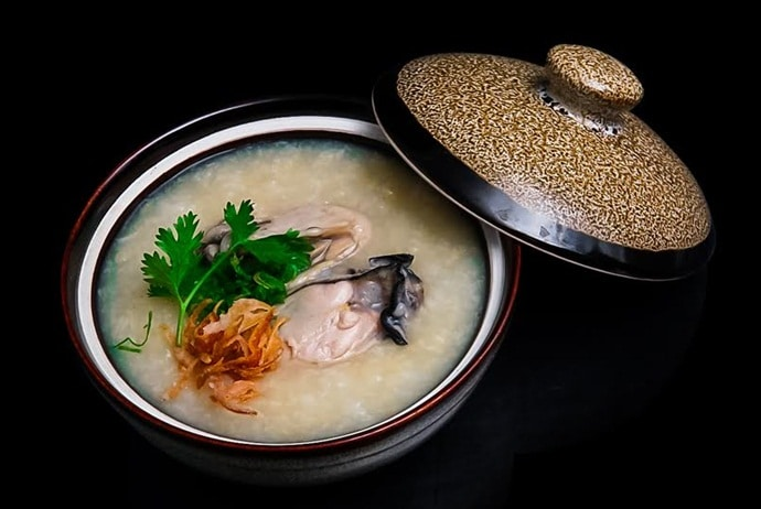 famous places for vietnamese oyster porridge - oyster porridge in con dao