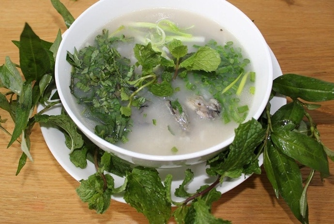 famous places for vietnamese oyster porridge - oyster porridge in quang binh
