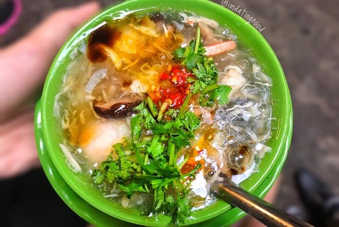 vietnamese crab soup - sup cua on hoa cuc street